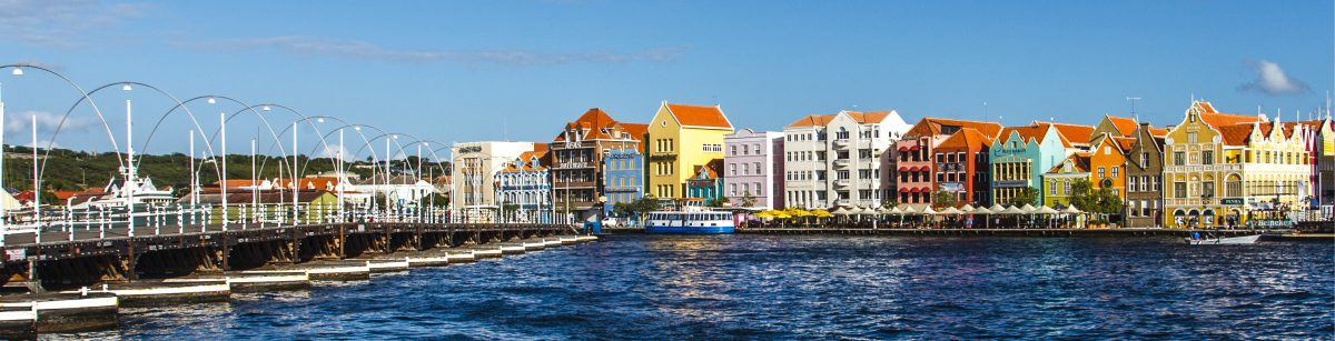 Willemstad in CUracao emma bridge